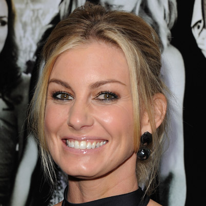 The 49-year old daughter of father Ted Perry and mother Edna Perry, 176 cm tall Faith Hill in 2017 photo