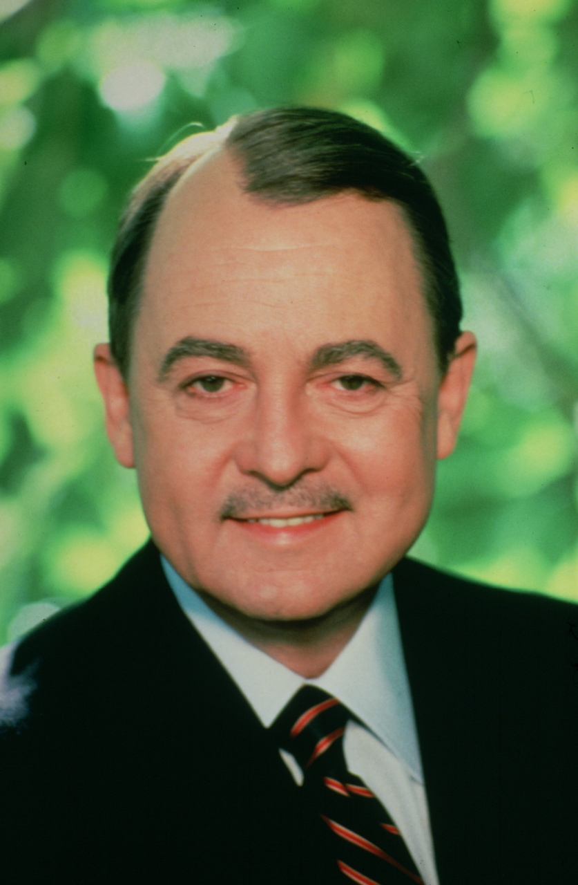 john hillerman height