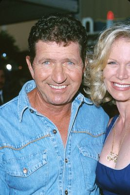 Mac Davis Profile Famous People Photo Catalog