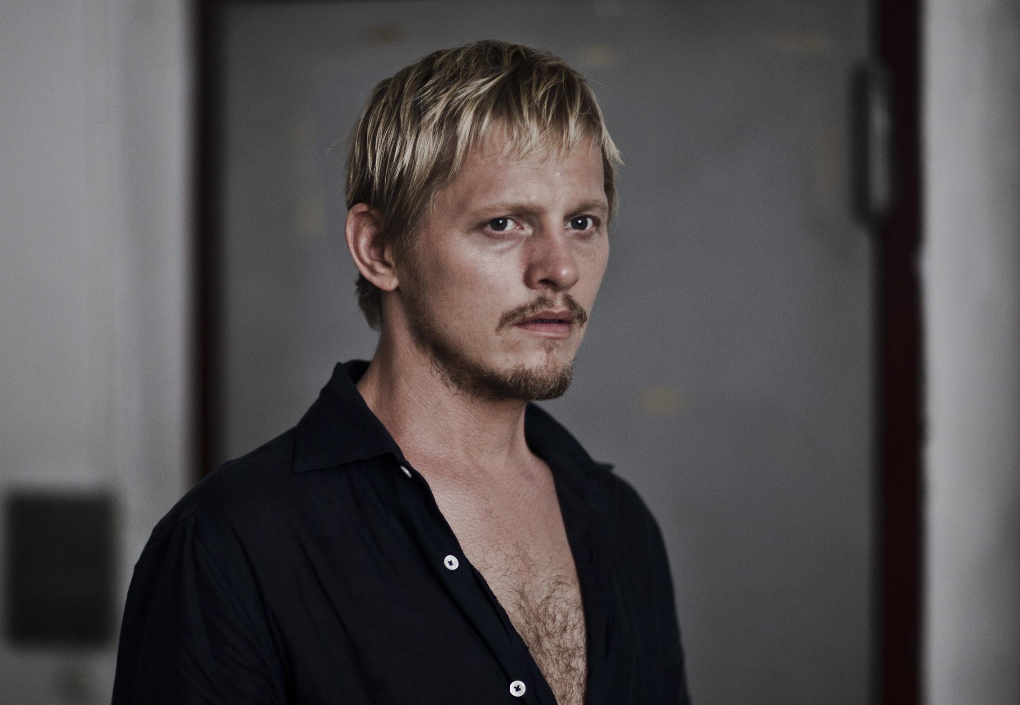 thure lindhardt into the wild