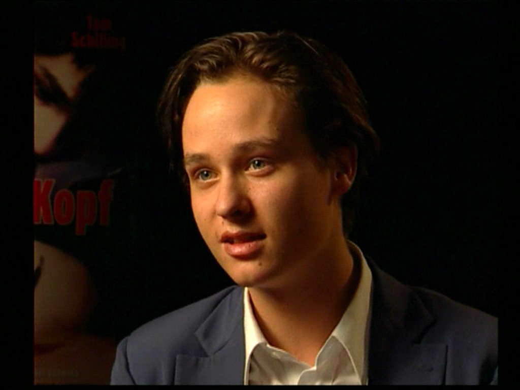 Tom Schilling Height Photo#01 Tom Schilling